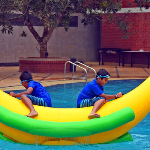 kids-slide-&-pool